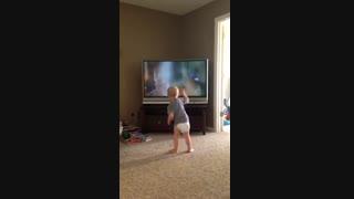 حرکات جالب و بامزه کودک شیطون