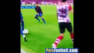 لایی خوردن جرراد پیکه، مدافع بارسلونا