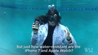 تست آیفون 7 پلاس در زیر آب