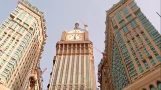 برج زیبای  ساعت مکه که از فاصله 6 کیلومتری نیز دیده میشود
