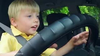 دوربین مخفی پسر بچه ای که راننده تاکسی است