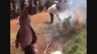 زنده زنده آتش زدن مسلمانان در میانمار توسط بودایی ها