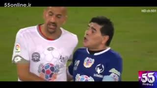 صحنه درگیری لفظی مارادونا و خوان سپاستین ورون در بازی دوستانه
