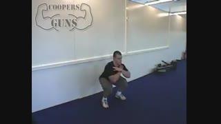 نمایش فیلم آموزش حرکات بدنسازی جلو ران اسکوات بدون وزنه