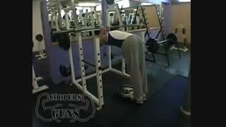 نمایش فیلم آموزش حرکات بدنسازی عضله ساق پا ایستادن روی پنجه در حالت کمر خم