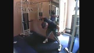 نمایش فیلم - آموزش حرکات بدنسازی - پشت سرشانه - نشر خم از جانب با کابل