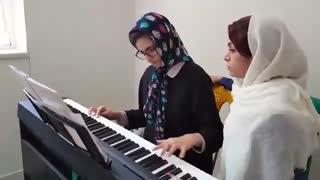 موسیقی - توسط یک کودک اوتیسم