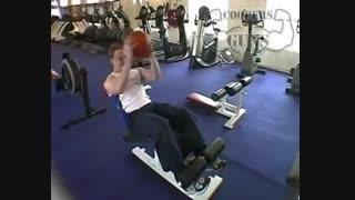 نمایش فیلم آموزش حرکات بدنسازی شکم دراز نشست با توپ (مقابل صورت)