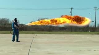 حرکت آهسته شعله افکن با جهش 50 فوتی-کیفیت فوق العاده بالا