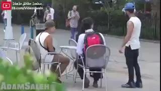 دوربین مخفی عکس العمل آمریکاییها دربرابر مزاحمت و کندن حجاب یک زن محجبه