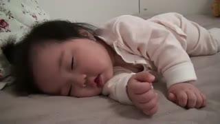 خوشگل ترین و ناز ترین  بچه ی کره ای  تا حالا دیدید   خیلی معصومه ووووووی