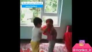 دعوای دو پسر بچه که با این ریمیکس باحال جهانی شده