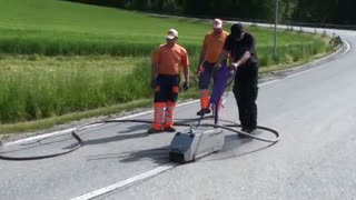پاک کردن خطوط ترافیکی با واترجت