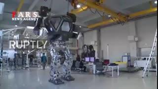 از نخستین ربات سرنشیندار جهان رونمایی شد