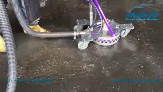 نظافت و از بین بردن آلودگی و چربی کف سالن های صنعتی