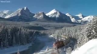 عبور قطار شرکت راه آهن اقیانوس آرام در یخبندان کانادا