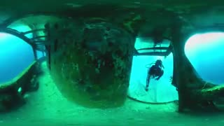 ویدیوی 360 درجه : در اعماق دریا