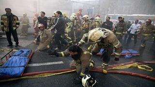 ویدیو غم انگیز از ناله ها و فریاد های آتش نشان هایی که دوستانشان داخل آوار سقوط کردند