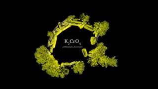 تشکیل کریستال مواد شیمیایی از نمای میکروسکوپی