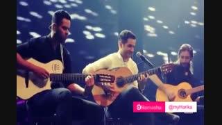 نواختن گیتار محسن یگانه . عالیه  !