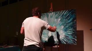 تایم لپس یک نقاشی هنرمندانه از طاووس !
